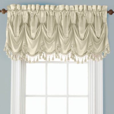 Royal Velvet Hilton Rod-Pocket Federal + Tuck Valance