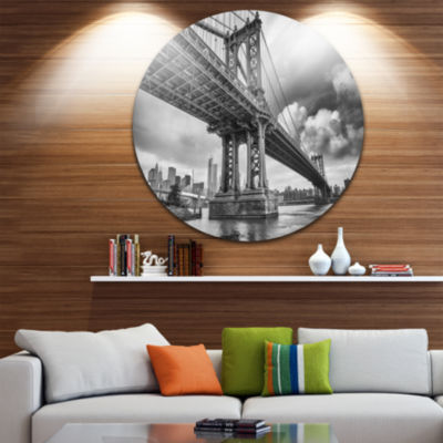 Design Art Manhattan Bridge in Gray Shade Circle Metal Wall Art