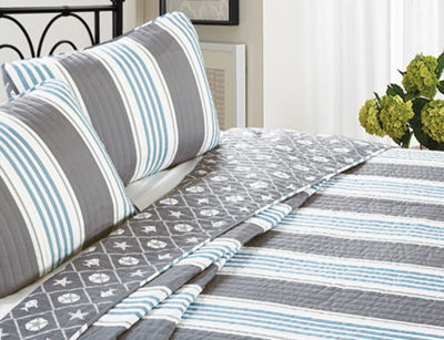 Great Bay Home St. Croix Collection Coastal Beach Theme 3-Piece Microfiber Quilt Set with Shams