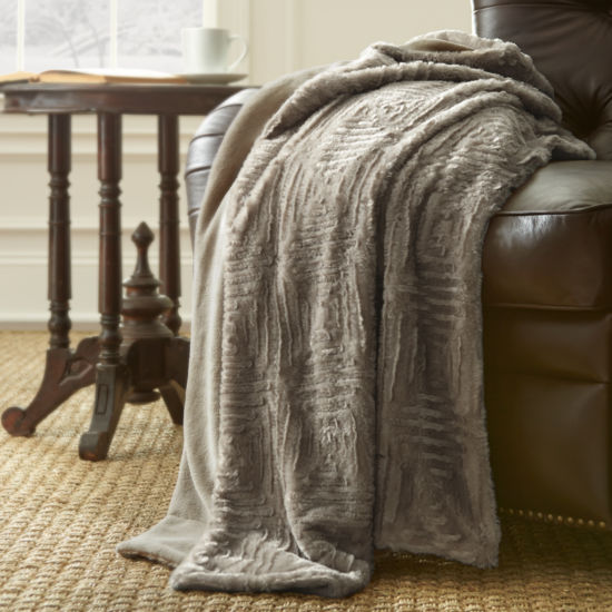 Pacific Coast Textiles Luxury Faux Fur Faux Fur Throw