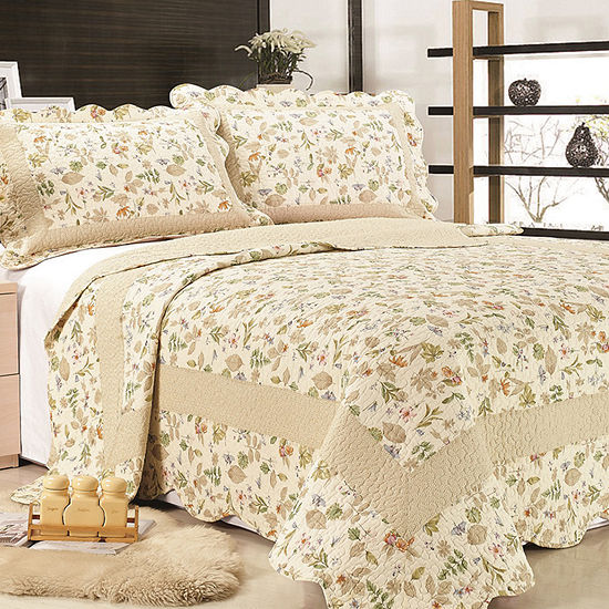 United Curtain Co Brooke Quilt Set