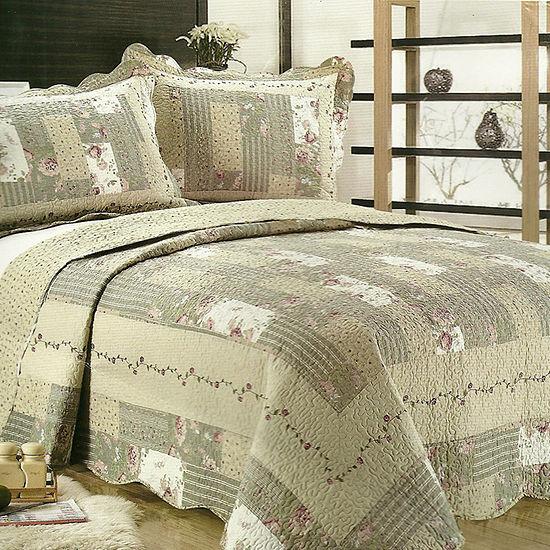 United Curtain Co. Weston Quilt Set