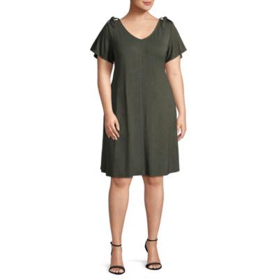 Boutique + Short Sleeve Swing Dresses - Plus