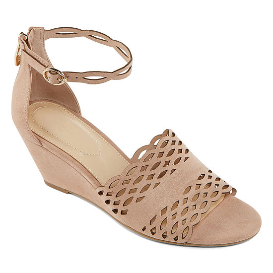 Liz Claiborne Womens Ivan Wedge Sandals