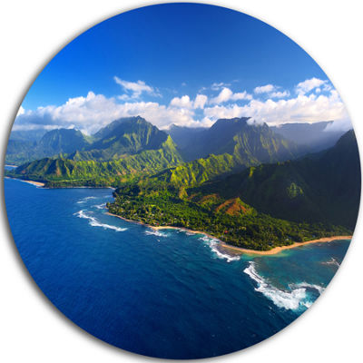 Designart Na Pali Coast Wide View Beach Photography Circle Metal Wall Art