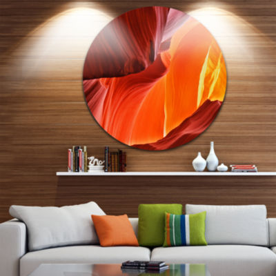 Designart Midday in Antelope Canyon Landscape Photo Circle Metal Wall Art