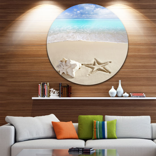 Designart Caribbean Beach Starfish Beach Photography Circle Metal Wall Art