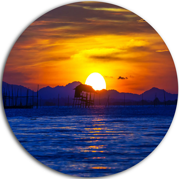 Designart Old Wooden Pavilion in Sea Seascape Circle Metal Wall Art