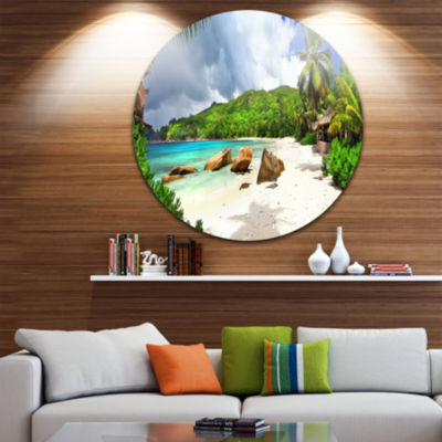 Designart Seychelles Islands Wide Panorama Landscape Circle Metal Wall Art