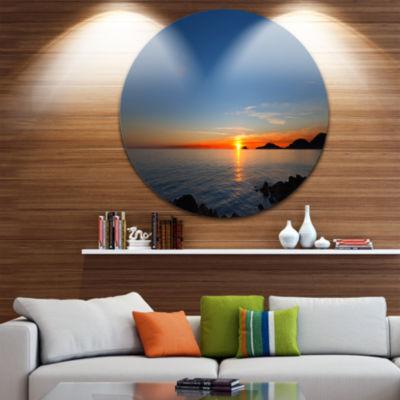 Designart Dark Sunset in Gulf of La Spezia Seascape Circle Metal Wall Art