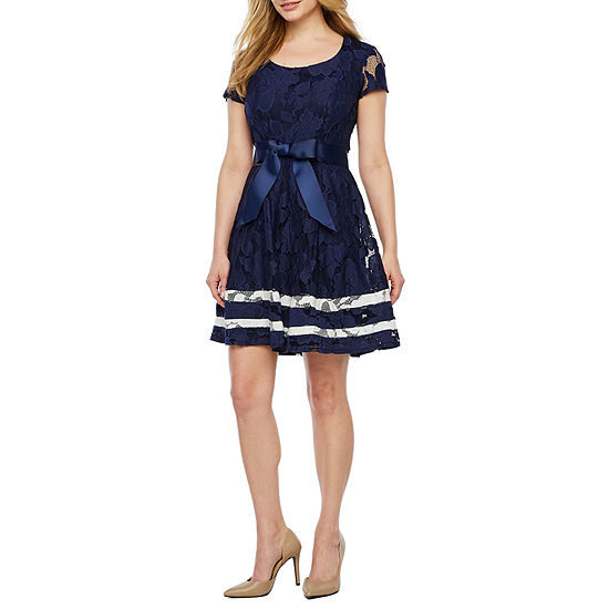 Robbie Bee Short Sleeve Lace Fit & Flare Dress-Petite