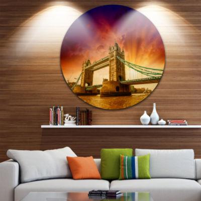 Designart Tower Bridge in Its Magnificence Cityscape Photo Circle Metal Wall Art