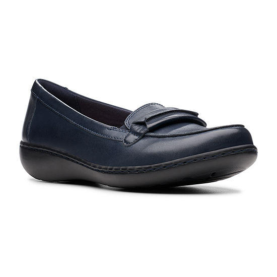 Clarks Womens Ashland Lily Round Toe Slip-On Shoe Wide Width