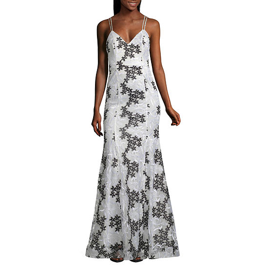 My Michelle Sleeveless Embroidered Fitted Gown-Juniors
