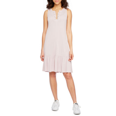 Vivi By Violet Weekend Sleeveless Shift Dress