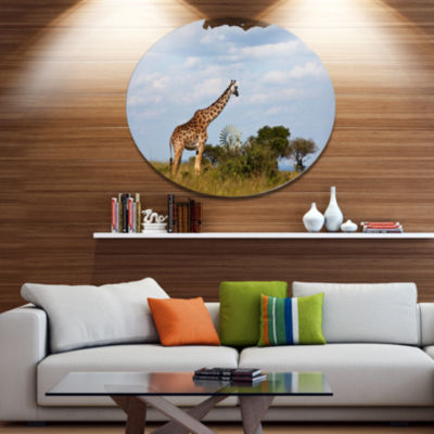 Designart Large Giraffe in Savannah Landscape Metal Circle Wall Art