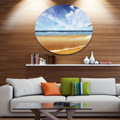 Designart Beautiful Sea under Bright Sky SeashoreMetal Circle Wall Art