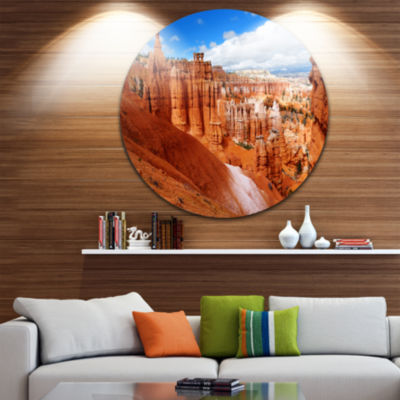 Design Art Sandstone Hoodoos in Bryce Canyon Landscape Round Circle Metal Wall Art
