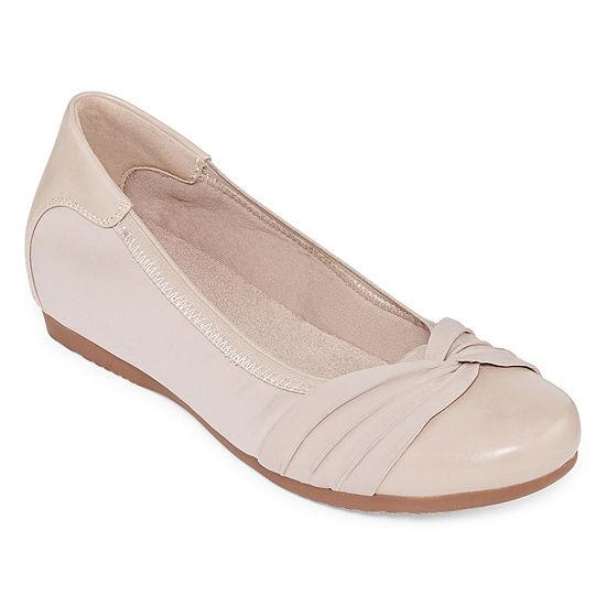 e2815aeab31d Yuu Womens Marcel Closed Toe Slip-On Shoe - JCPenney