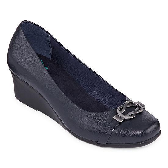 Yuu Womens Monico Slip On Closed Toe Wedge Heel Pumps