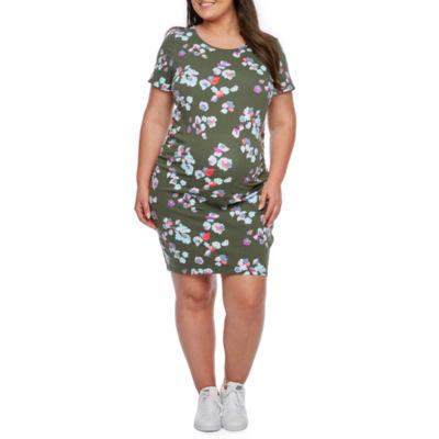 Belle & Sky Maternity Short Sleeve Scoop Neck Shirred Side Dress - Plus