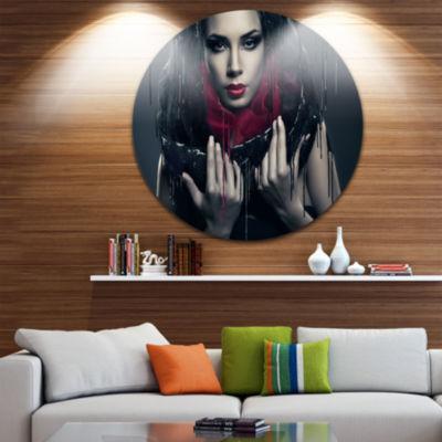 Design Art Passionate Woman in Black Circle MetalWall Art