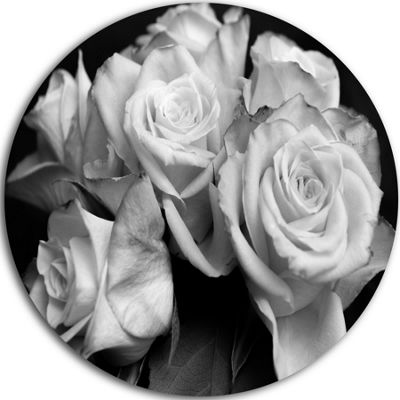 Design Art Bunch of Roses Black and White Ultra Vibrant Floral Metal Circle Wall Art