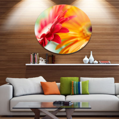 Design Art Red and Yellow Daisy Flower Floral Metal Circle Wall Art