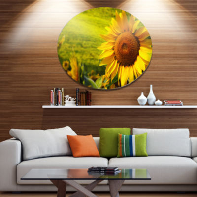 Design Art Tuscany Sunflowers on Green Floral Metal Circle Wall Art