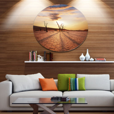 Design Art Amazing View of A Dead Valley OversizedLandscape Metal Circle Wall Art