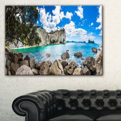Designart Nestor Notabilis Kea Panorama Canvas Art