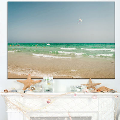Designart Parasailing In Summer In Africa Canvas Art