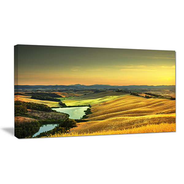 Designart Rural Landscape Italy Panorama Canvas Art