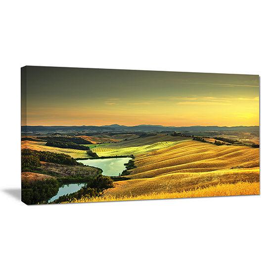 Designart Rural Landscape Italy Panorama Canvas Art