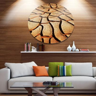 Design Art Cracked Brown Drought Land Disc AfricanLandscape Circle Metal Wall Decor