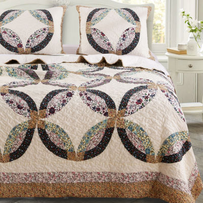 Greenland Home Fashions Sweet Caroline Medallion Reversible Quilt Set