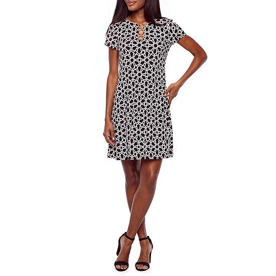 MSK Short Sleeve Grid Shift Dress
