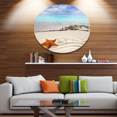 Designart Brown Starfish on Caribbean Beach Disc Seascape Metal Circle Wall Art
