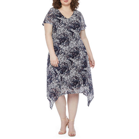 1920s Plus Size Flapper Dresses, Gatsby Dresses, Flapper Costumes Ronni Nicole-Plus Short Sleeve Floral Lace Fit  Flare Dress 16w  Blue $33.74 AT vintagedancer.com