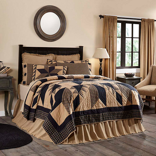 Ashton and Willow Lansing Reversible Quilt & Accessories