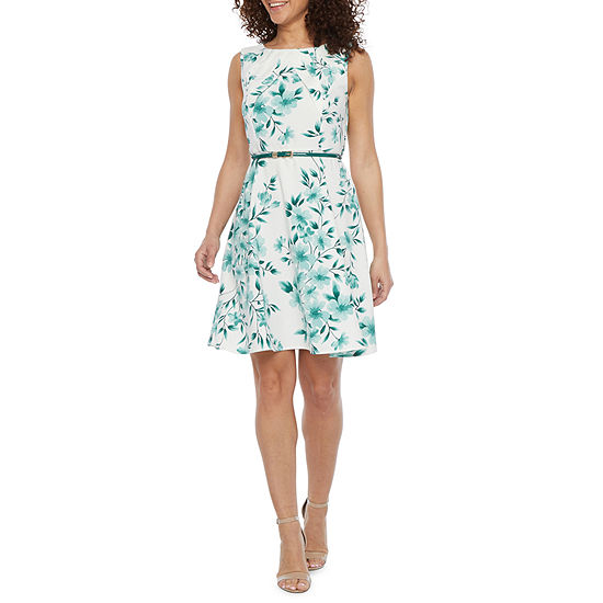 Alyx-Petite Sleeveless Floral Fit & Flare Dress