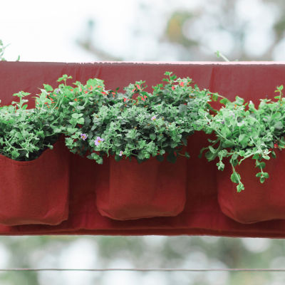 BloemBagz Deck Rail 6-Pocket Hanging Planter Bag