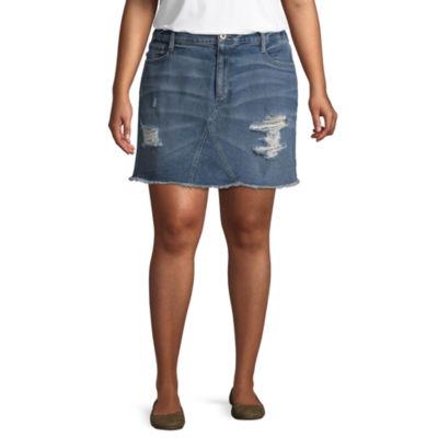 """Arizona 4 1/2"""" Destructed Roll Cuff Midi Shorts-Juniors Plus"""