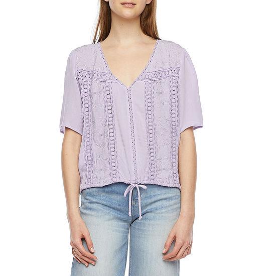 Belle Du Jour-Juniors Womens V Neck Short Sleeve Embroidered Blouse