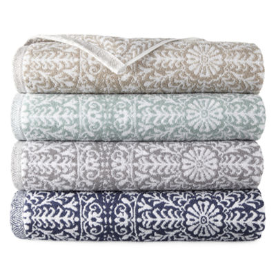 Liz Claiborne Melbourne Medallion Bath Towel