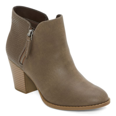 a.n.a Womens Block Heel Palo Booties