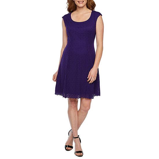 Ronni Nicole Sleeveless Circle Lace Fit & Flare Dress