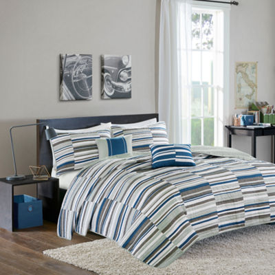 Intelligent Design Wyatt Stripes Quilt Set