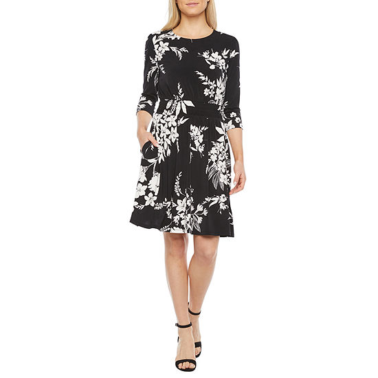 London Style 3/4 Sleeve Floral Fit & Flare Dress