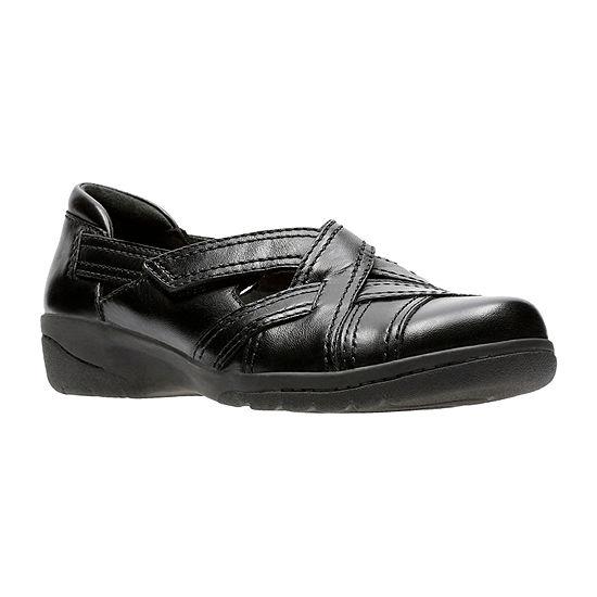 Clarks Womens Cheyn Wale Slip-On Shoe Closed Toe